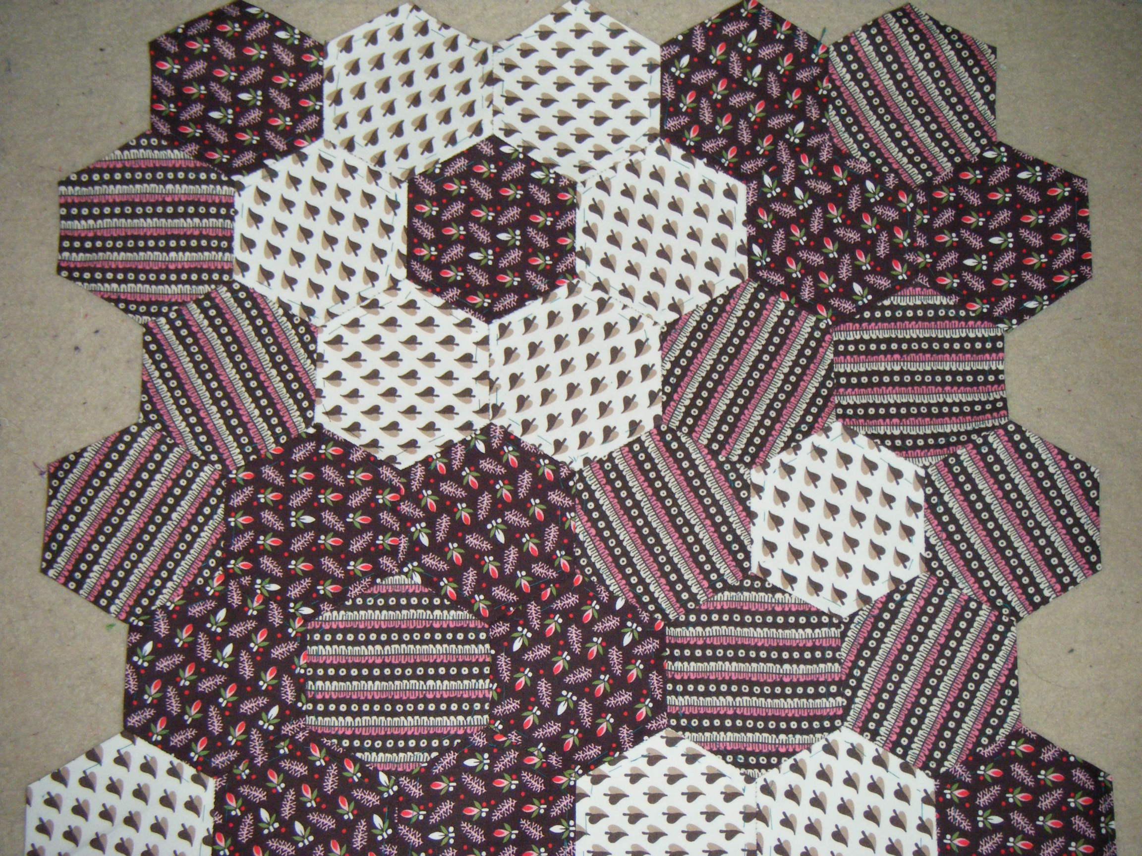 Zoë: Hexagon Patchwork Cushion | sew make believe