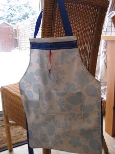 Oilcloth apron 1