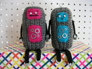 Zoë: Crochet Robots